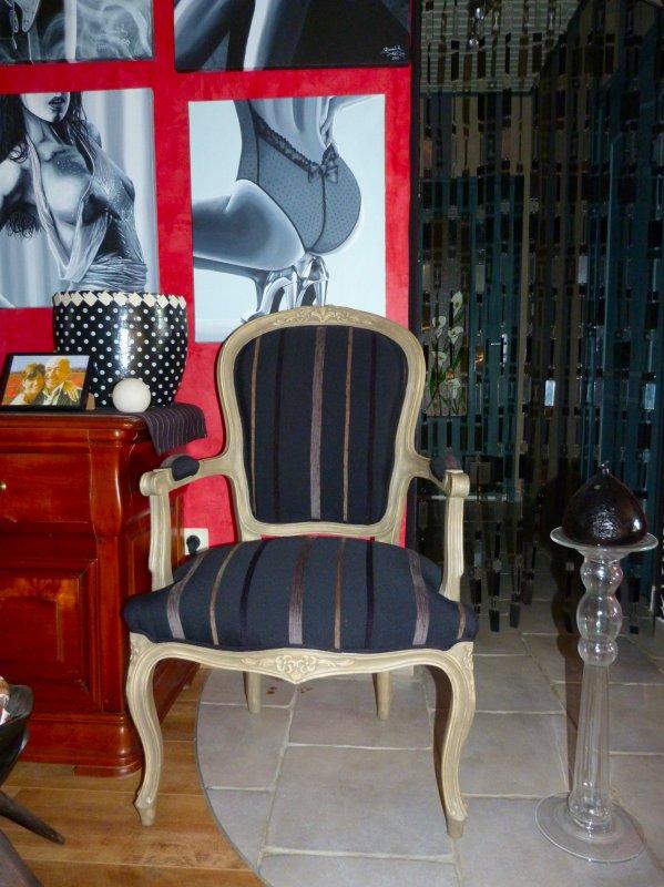 fauteuil relook d co int rieure peinture sur bois. Black Bedroom Furniture Sets. Home Design Ideas